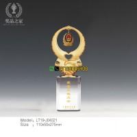 和平鸽奖杯 警察从警周年表彰奖杯 光荣退休纪念杯定做厂家